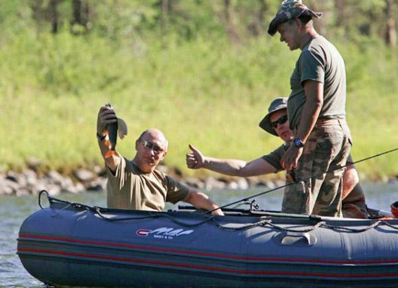 Владимир Путин и князь Монако Альбер II на рыбалке
